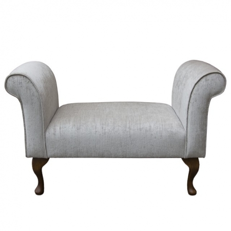 Standard Settle in a Pastiche Slub Ice Chenille Fabric with Hardwood Legs - 18028